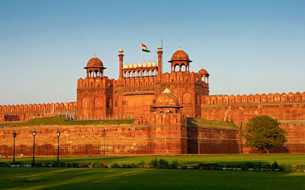 Top 4 must-visit places in Delhi